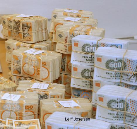 Udbetaling af overskydende skat og opkrævning af restskat for 2013   Sermitsiaq.AG