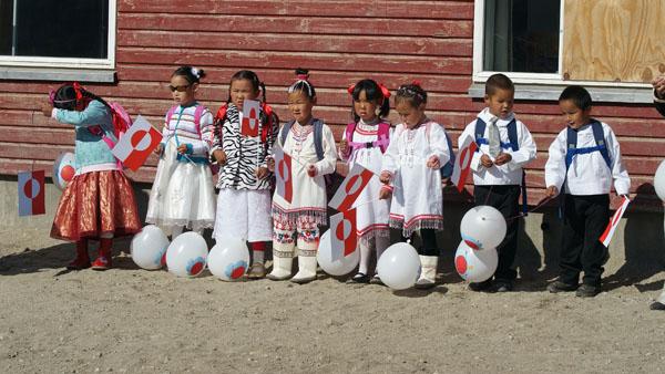 Billedgalleri fra første skoledag på kysten | Sermitsiaq.AG