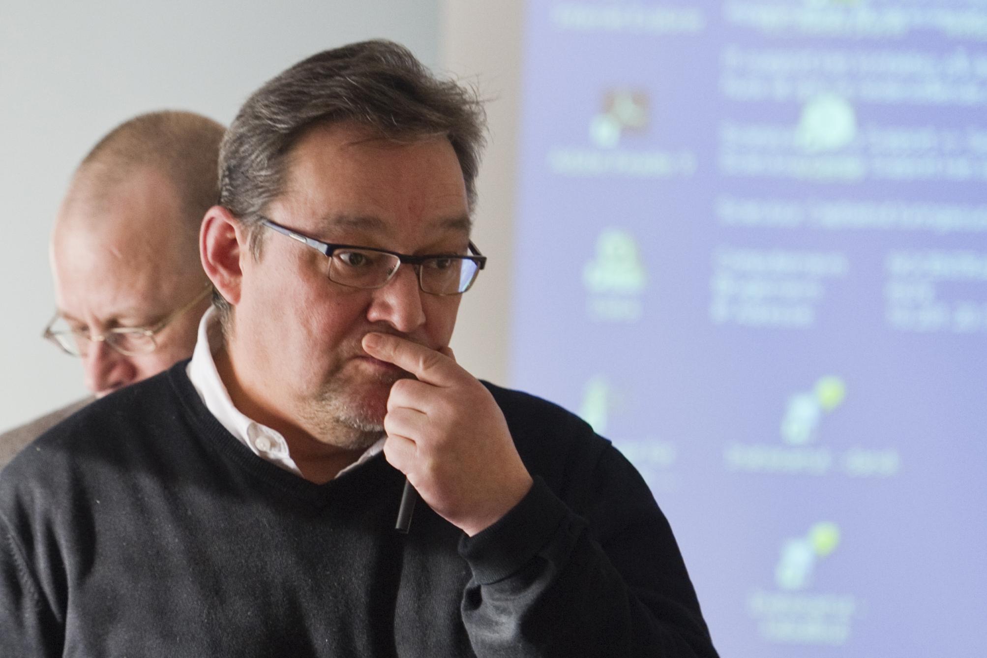 Advarer mod Facebook-politik | Sermitsiaq.AG