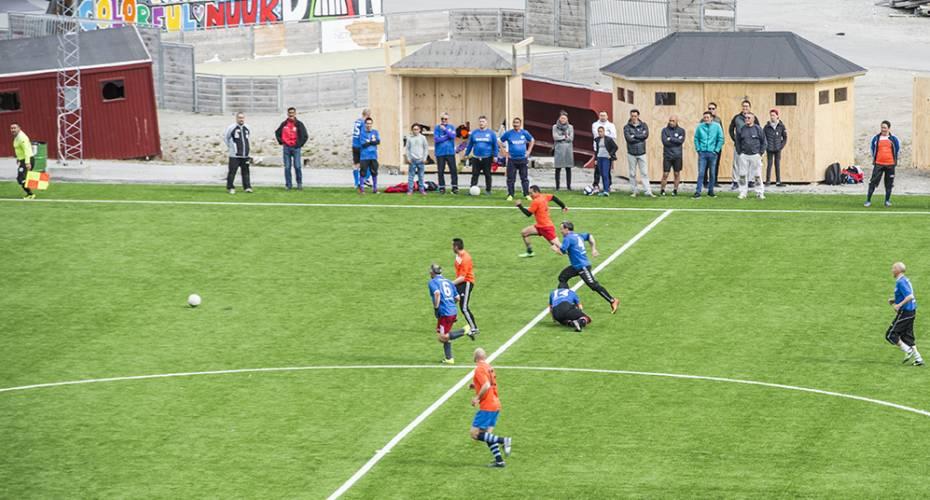 Nye kunstgræsbaner i Nuuk