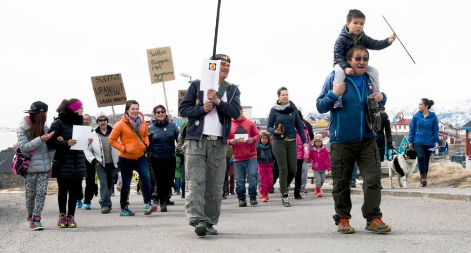 Demonstration, uran, 1. maj 2015, Narsaq, Uran Naamik
