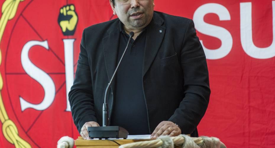Vittus Qujaukitsoq's chancer for at blive formand er svækkede efter sagen om FN-klagen, mener politisk kommentator Axel Jeremiassen.