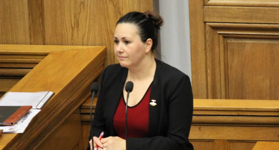009d256ab3c Aaja Chemnitz Larsen (IA) vil bruge finanslovsforhandlingerne til en  indsats mod dansk uvidenhed og fordomme om Grønland og grønlændere