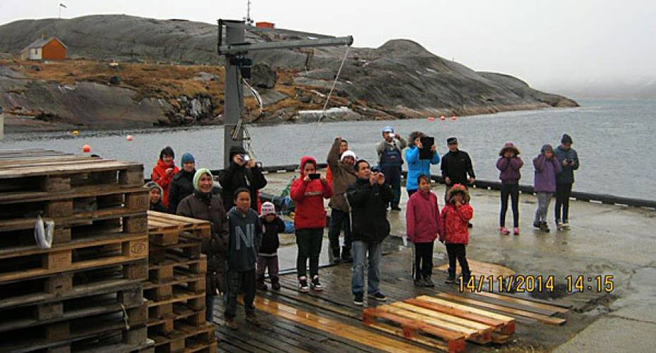Aappilattoq, indbyggere, havn