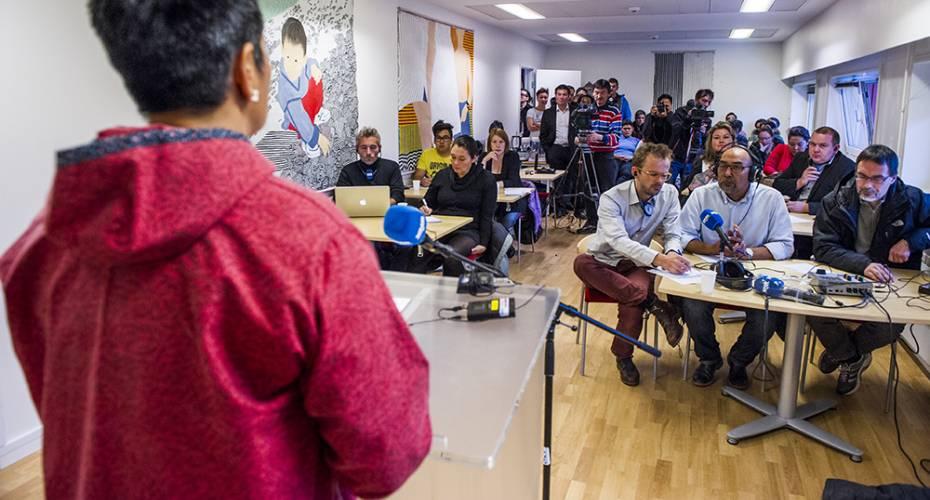 Pressemøde, journalister, Aleqa Hammond