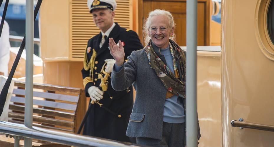 Dronningen, Dannebrog, Upernavik, 110715