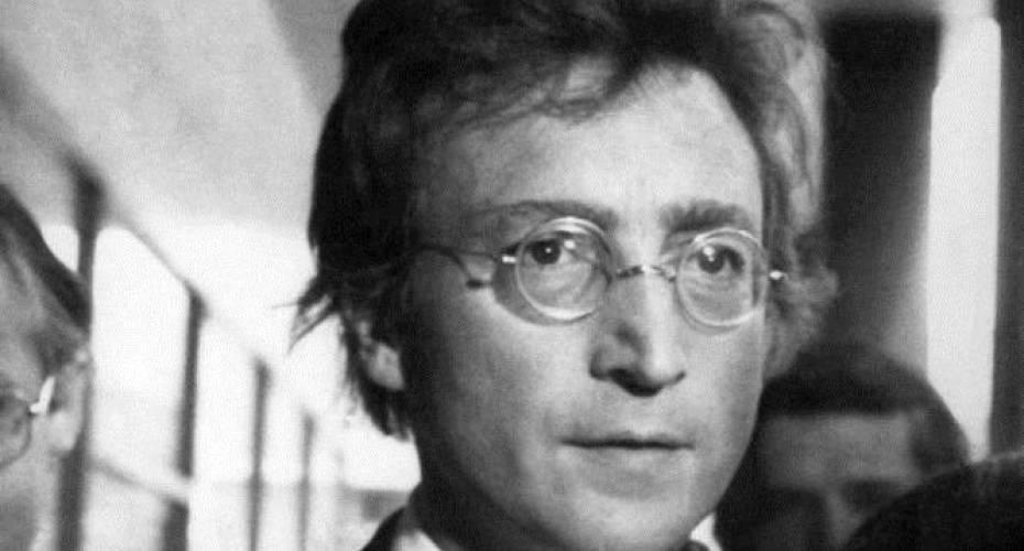 de8761e23e89 John Lennons hår er blevet købt for kvart million kroner AP Photo