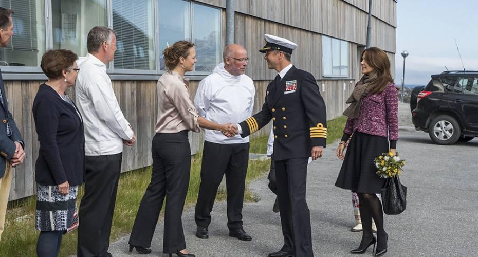 Kronprinsfamilien i Nuuk, Naturinstituttet, Frederik i søofficersuniform, Claus Nygaard