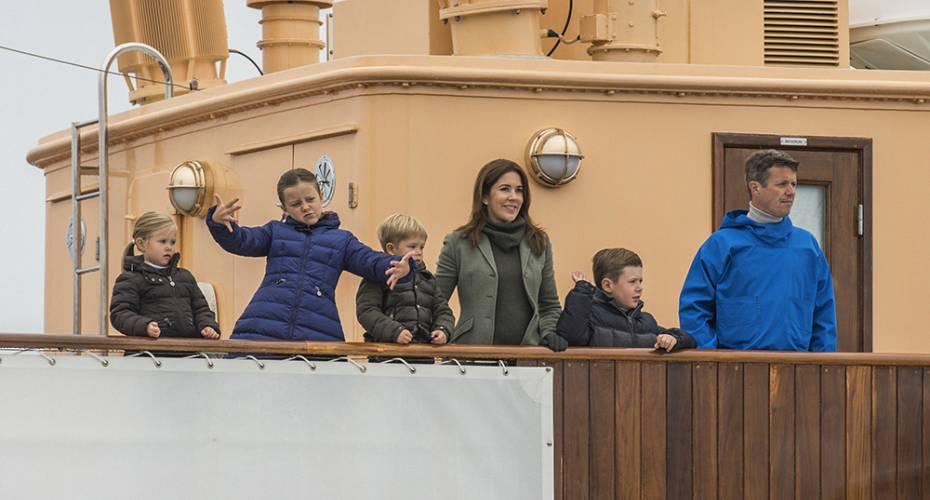 Kronprinsfamilien, Dannebrog, Nanortalik