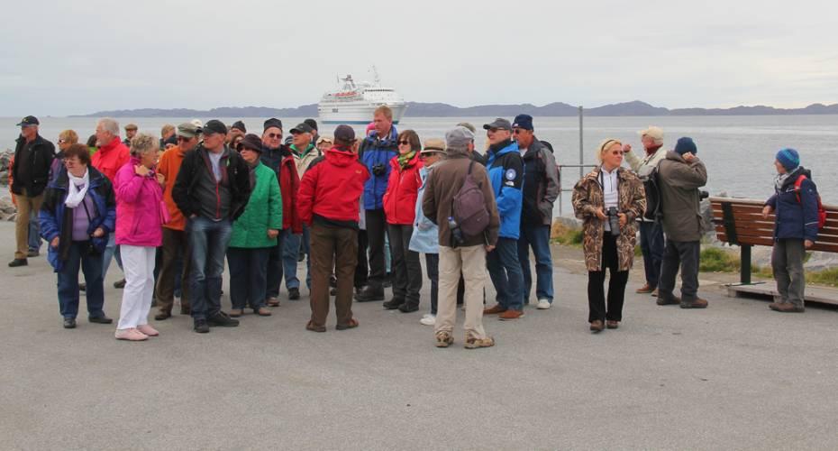 Guide i Nuuk: Er skulpturen en kopi af Den lille havfrue?   Sermitsiaq.AG
