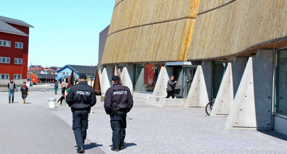 Politi, Katuaq, fred og ro