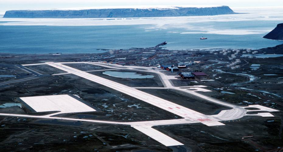 Thule Air Base, luftfoto, lufthavnsområdet, landingsbane