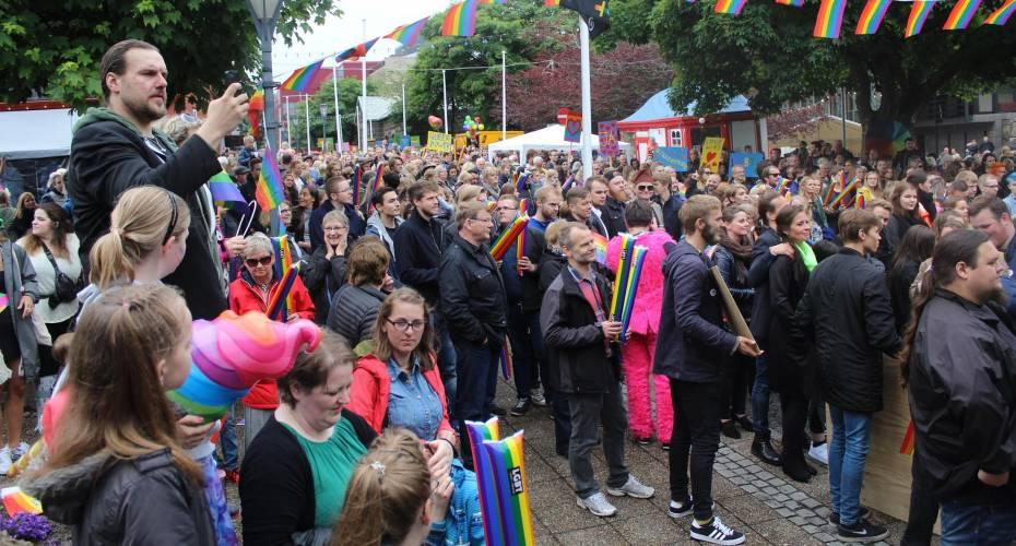 Faroe Pride i Thorshavn sidste år. Det er LGBT-Færøerne som står for arrangementet og som har fået stor opbakning de senere år.